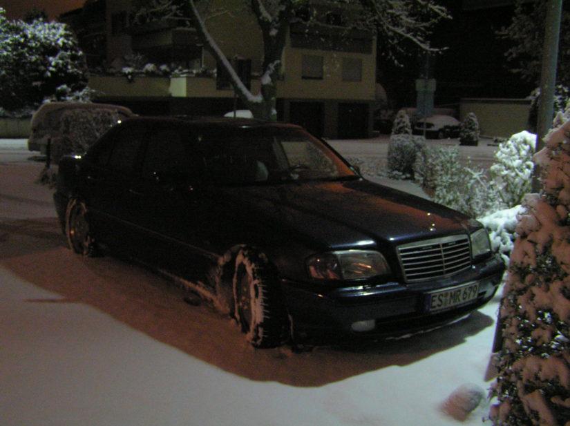 W202 – 2005-12 – Nacht, Schnee, Spass und ein paar Schnappschüsse vor der alten Wohnung