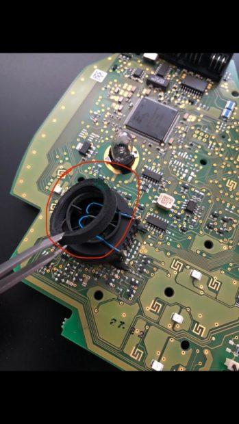 Wartungen, Verbesserungen S211 W211 – Reparatur des Temperaturfühlers in der Dachbedieneinheit